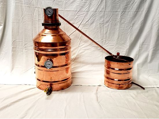 "20 Gallon (76 Liter) Copper Moonshine still with 4"" copper ez-flange ferrule, temperature gauge, and ball valve drain and 4.3 gallon condenser worm"