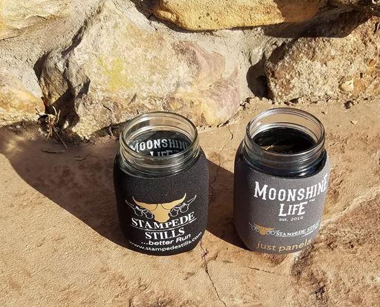 Stampede Stills Moonshine Life ™ PINT Jar Moonshine Insulator Coozie