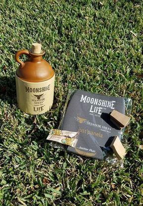 Stampede Stills MOONSHINE LIFE™ Half Gallon Glass Moonshine Jug with handle and Cork Bundle