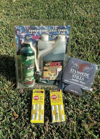 BLACK FRIDAY - The Original Mad Buck Innovations ACORN SCENT Concentrated Deer and Wild Hog Attractant bundle